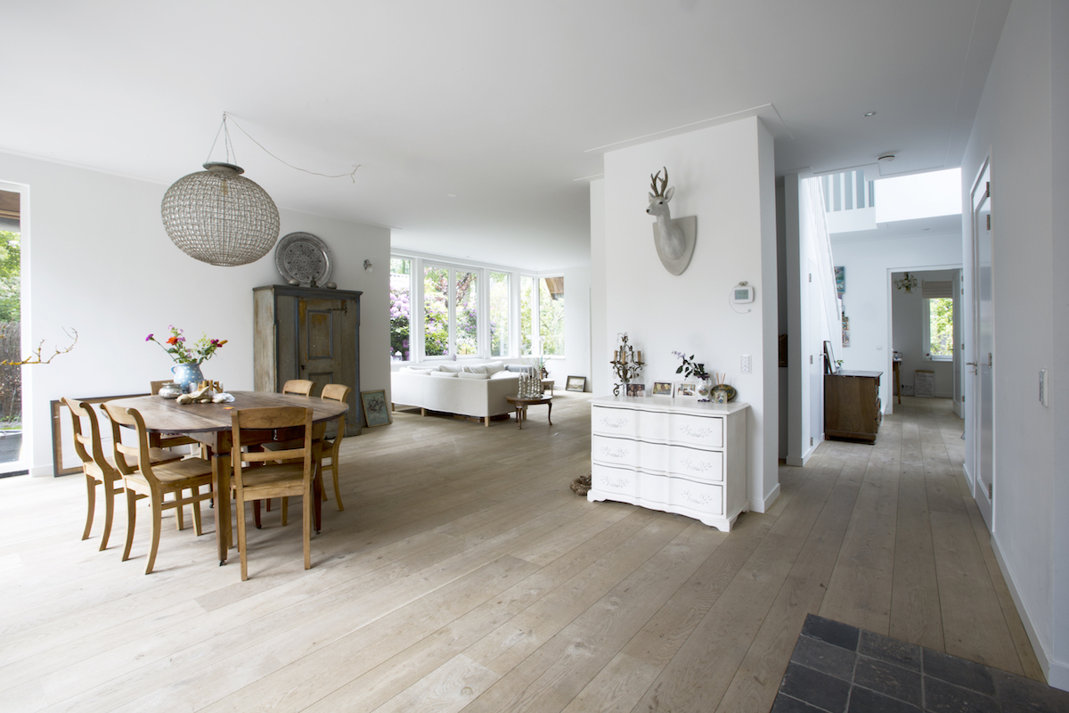 Woonkamer Houten Meubels : Witte meubels met hout excellent tv kast acacia hout truffel with