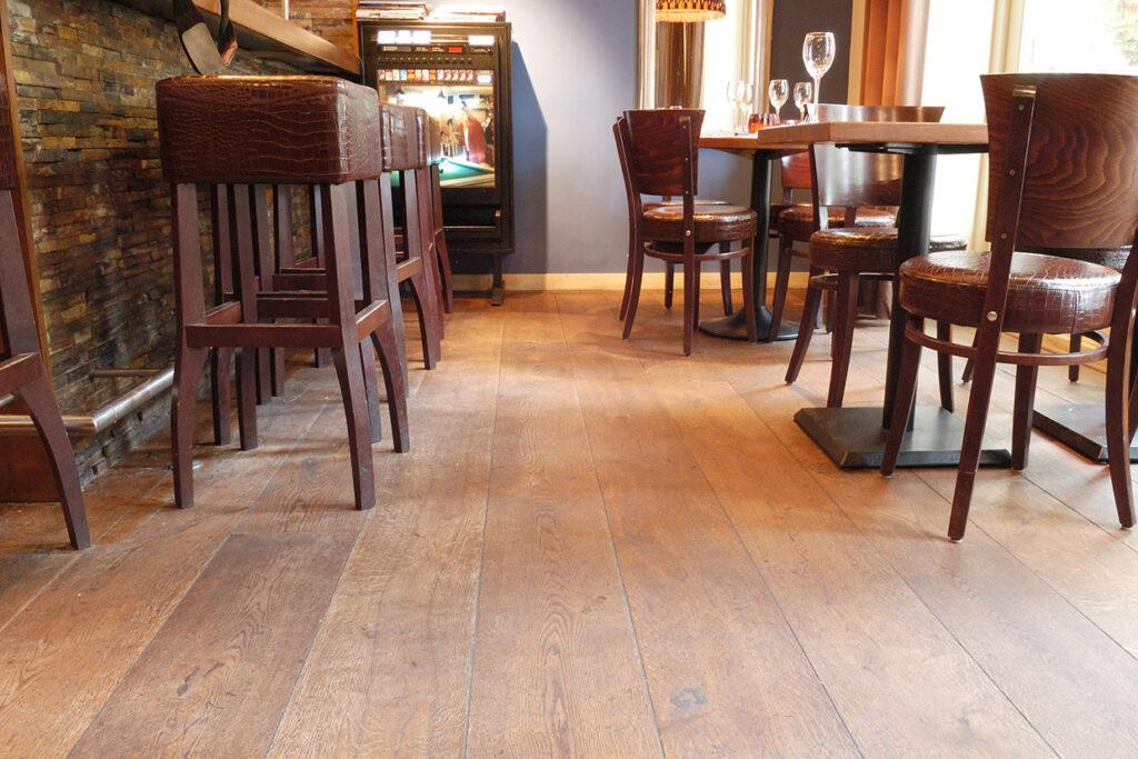 Eiken houten vloer met vloerverwarming in Bergen