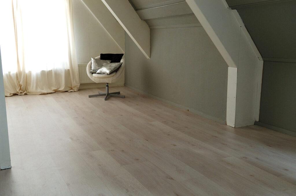 Lichte houten vloer in Schagen