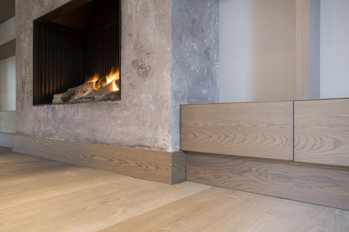 Afwerking lichte houten planken vloer in Blaricum