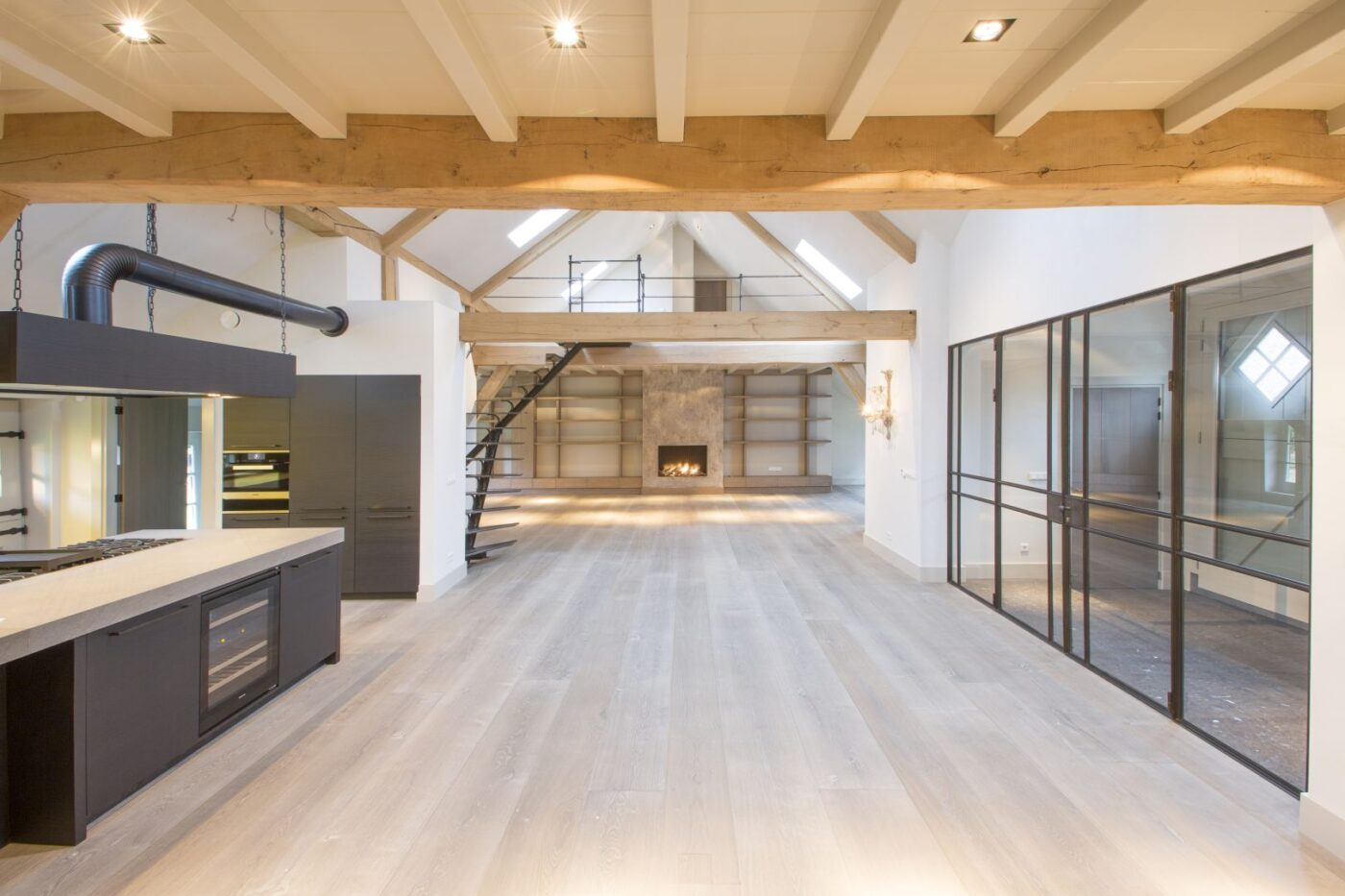 Lichte houten planken vloer in Blaricum